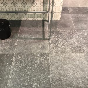 Eurostone NV - Keramische Tegels - Petit Granit Dark Vintage Rect. - 60 X 60 X 0,90